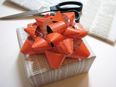 How About Orange Gift Bow Tutorial