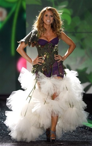 1_Victorias_Secret_Fashion_Show.sff_300